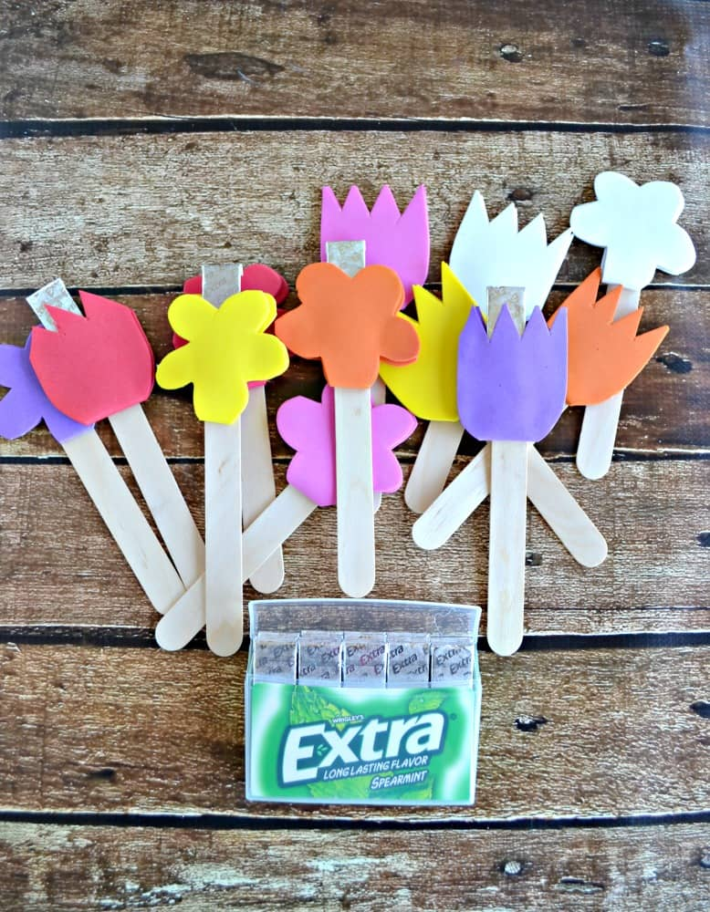 Make this cute DIY Gum Garden with Extra 35-stick pack of Gum!