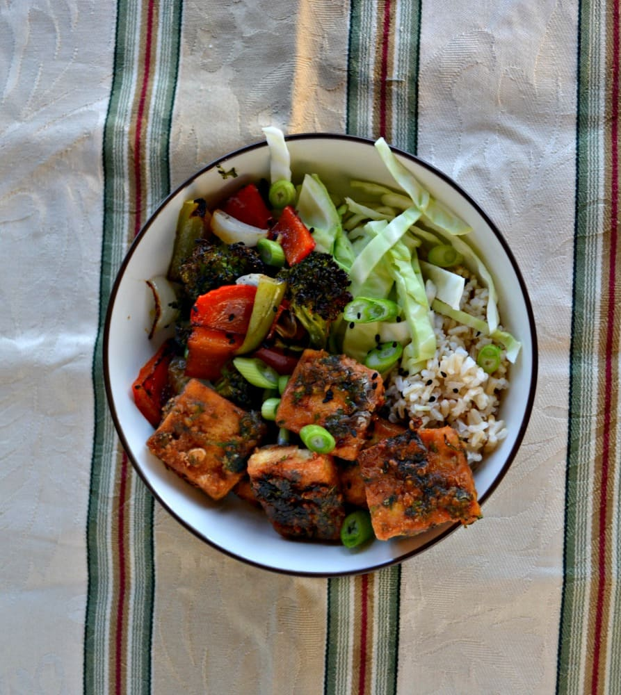 Enjoy this tasty Yum Yum Tofu Bowl for National Soyfoods Month!
