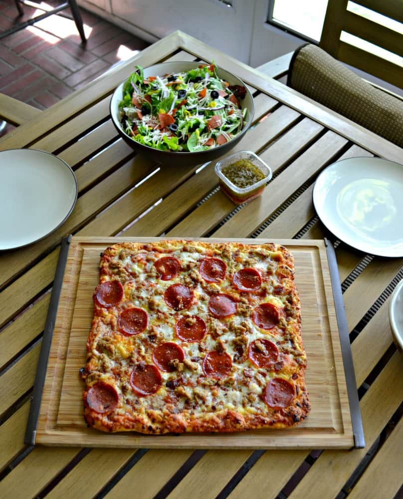 Looking for a quick meal that the whole family will enjoy? Try a Freschetta Pizza with a Chopped Italian Salad