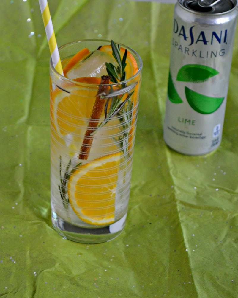 Looking for a flavorful way to hydrate? Check out this delicious Citrus Rosemary Spice Infused Sparkling Water