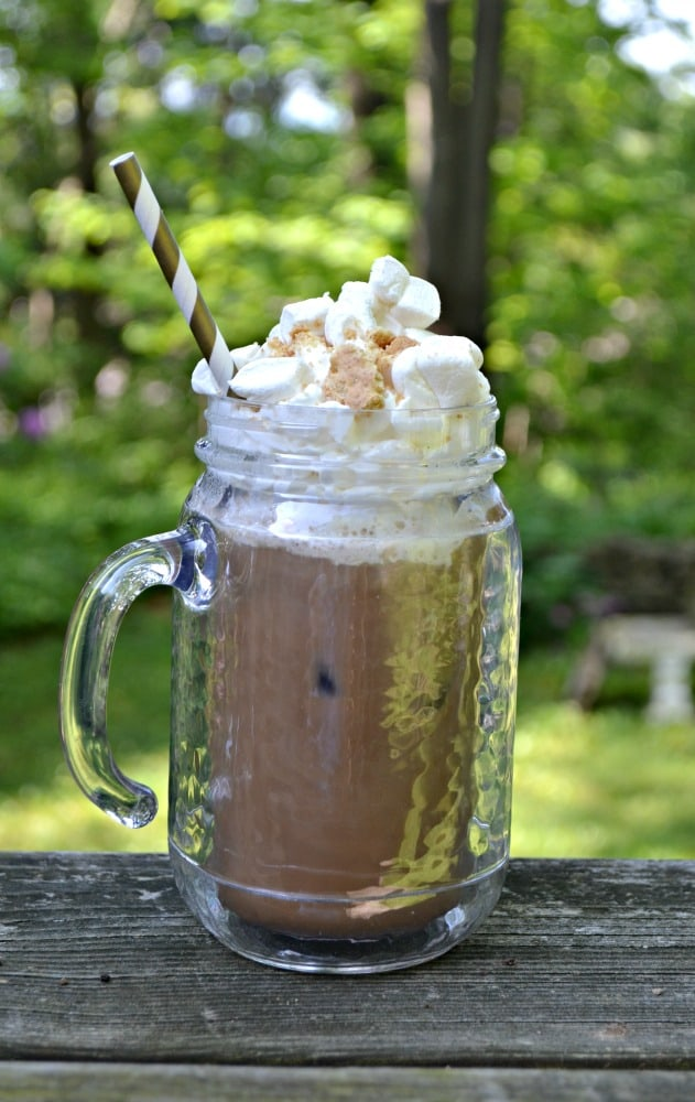 Cool off with this tasty S'mores Iced Coffee!