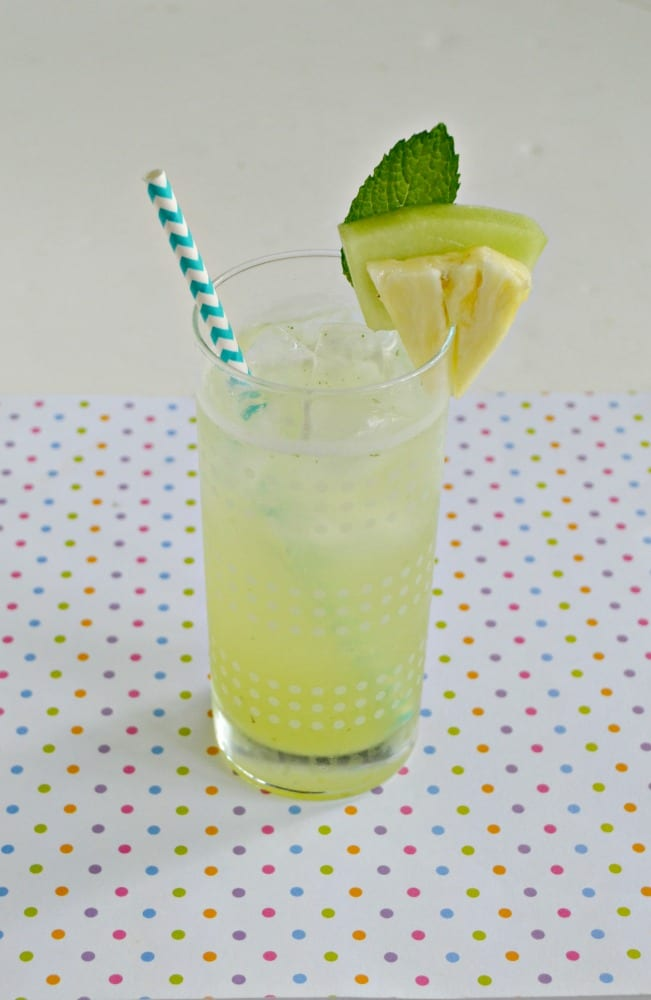 Love this delicious and refreshing Honeydew Agua Fresca with mint and pineapple