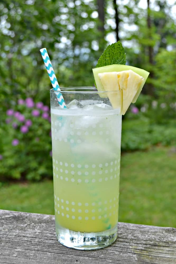 Sip on this refreshing Honeydew Agua Fresca this summer!