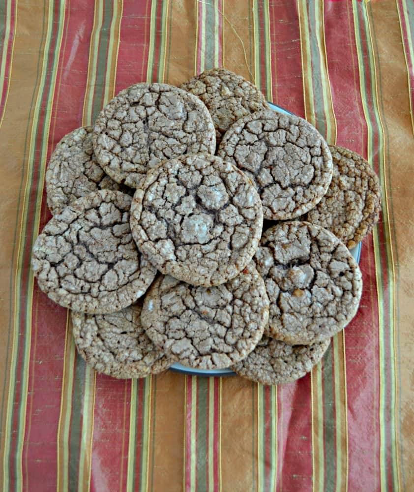 How delicious do these Chocolate Caramel Nutella Cookies look?