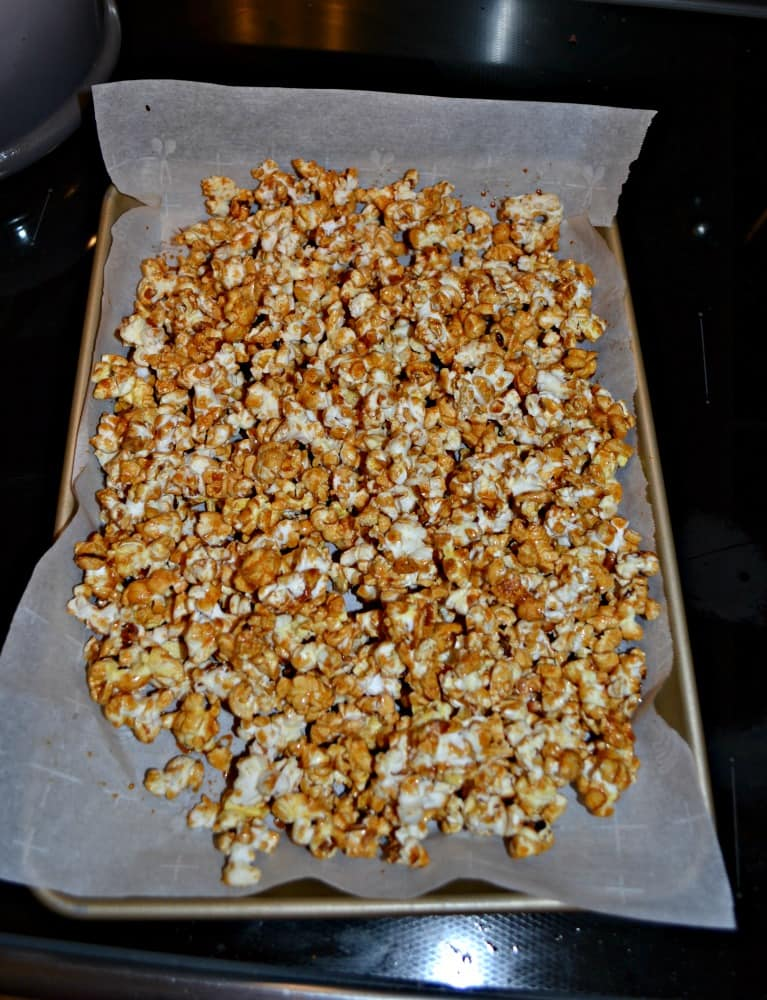 Hot Toddy Caramel Corn has delicious flavors of caramel, bourbon, honey, and lemon