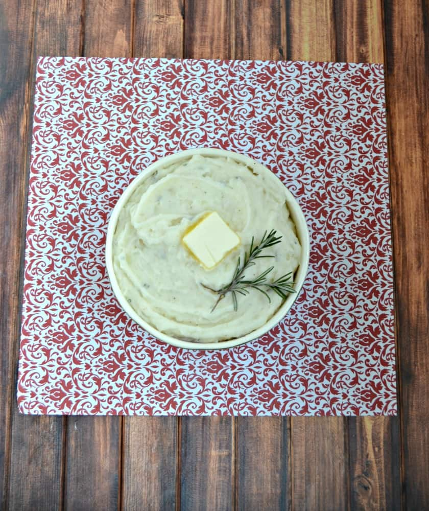 Love these creamy Rosemary Mashed Potatoes