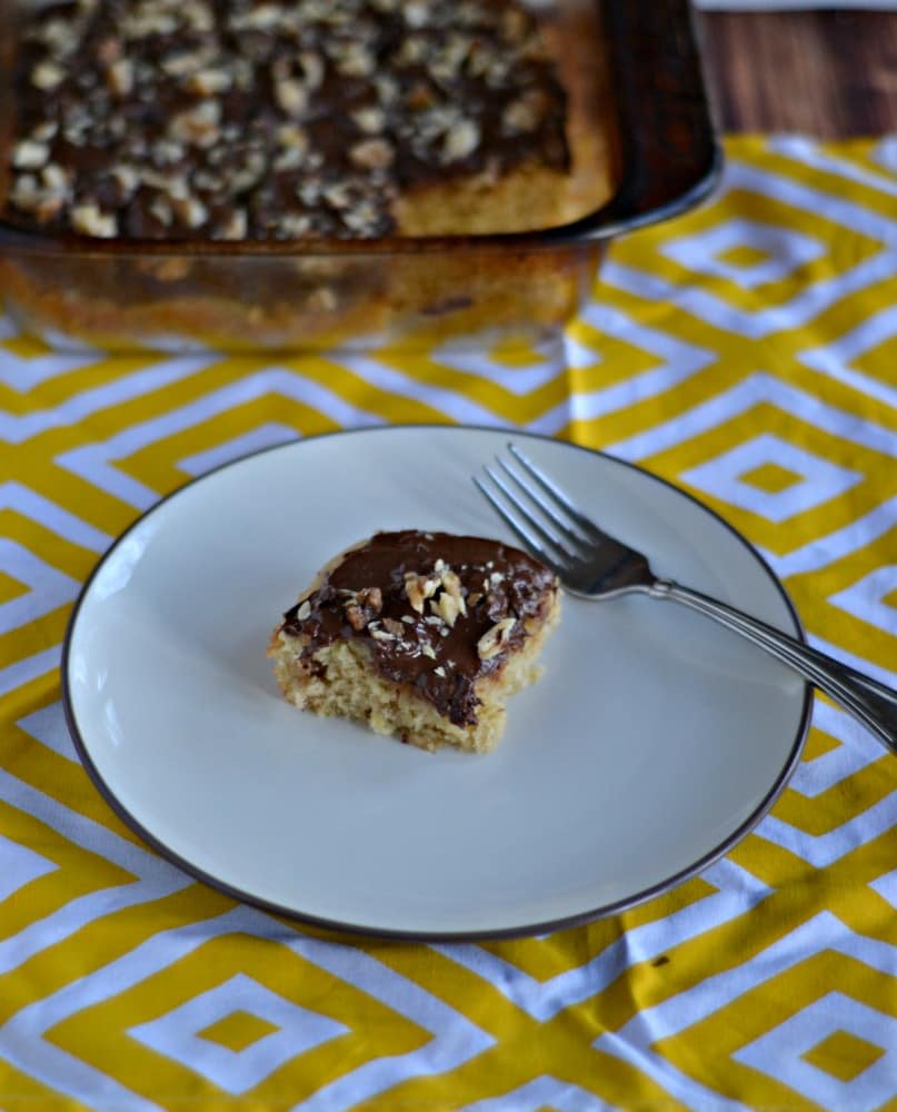 Need a tasty treat that's easy to make?   Try these incredible Caramel Banana Bars!