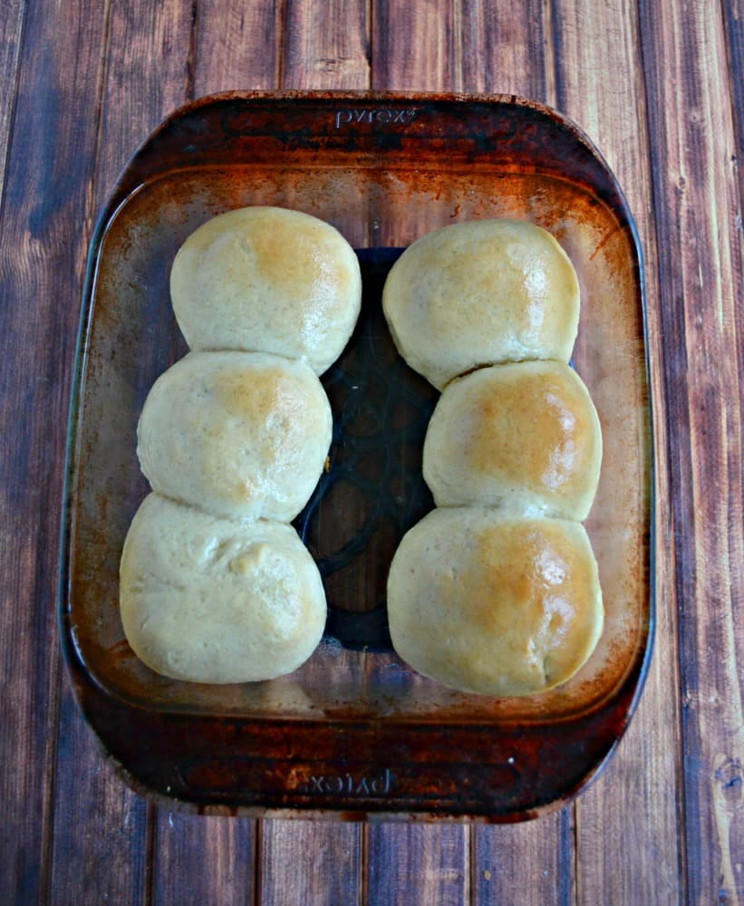 Don't have any bread on hand? Try these tasty 30 minute Dinner Rolls!