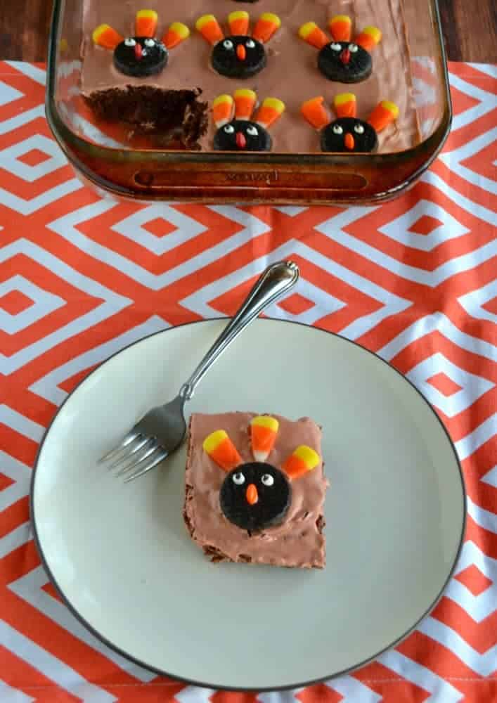 Kids want to help with Thanksgiving dessert? Let them help decorate these fun Turkey Brownies!