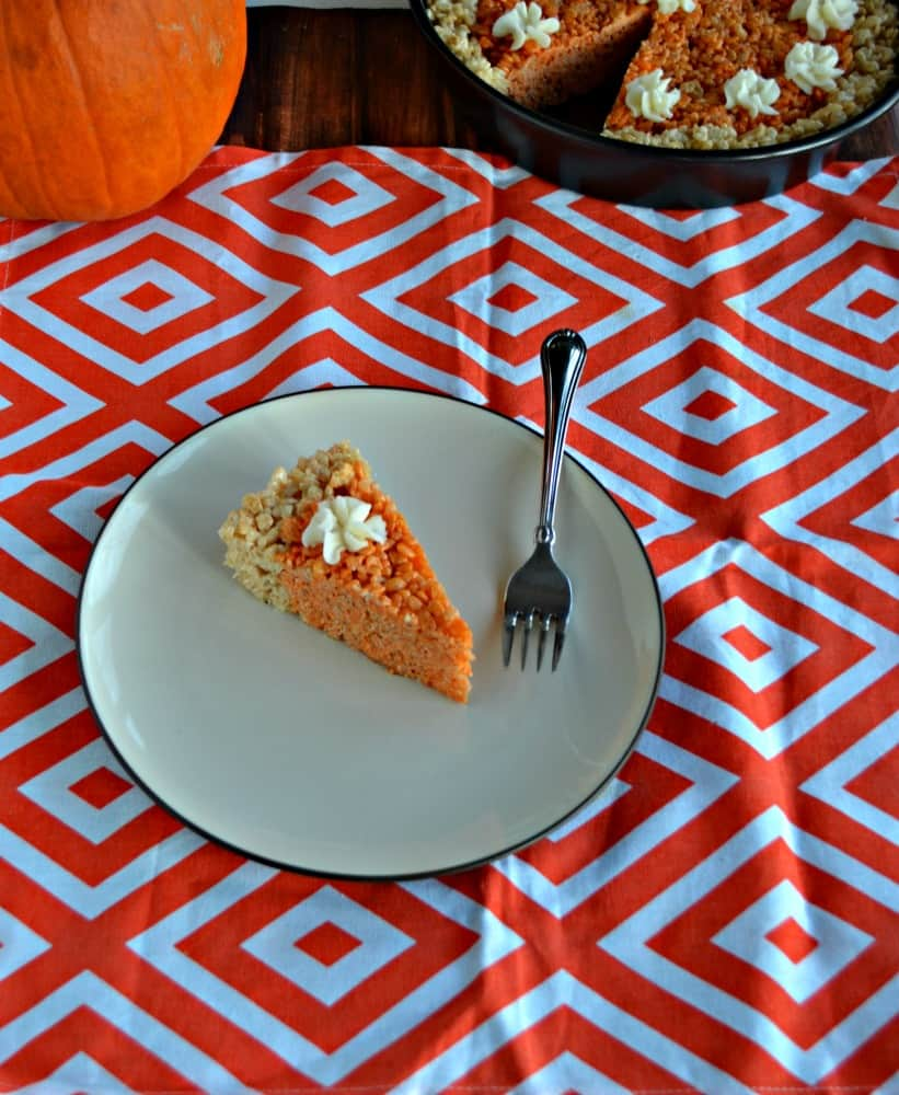 Grab a slice of this Pumpkin Pie Rice Krispies Treat for dessert!