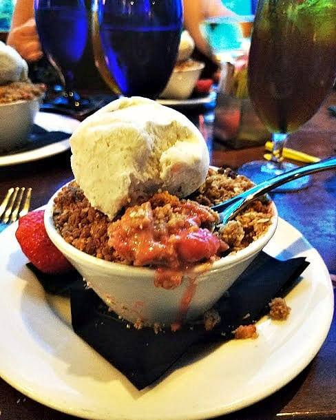 The best Strawberry Crumble!