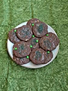 Easy 5 Ingredient Chocolate Mint Cookies #StPatricksDay