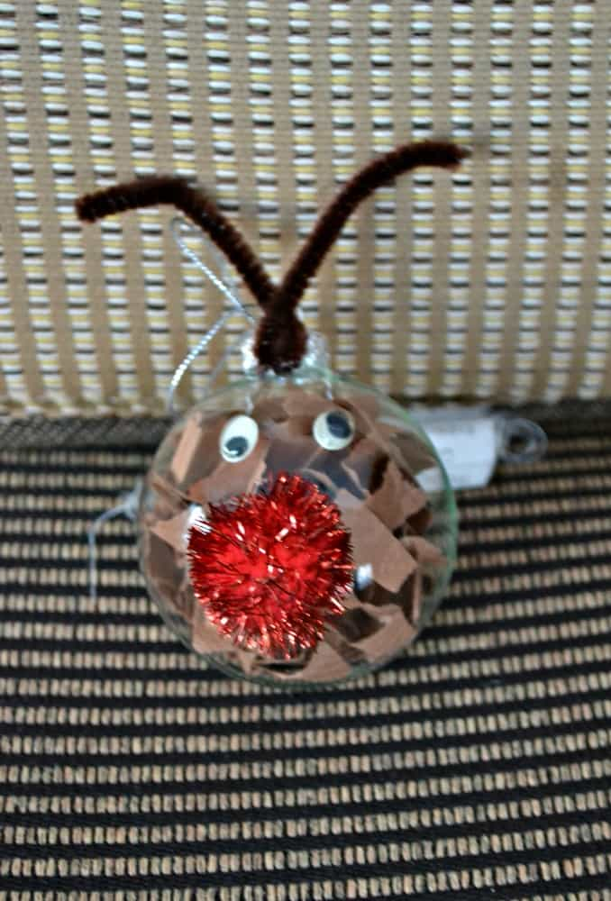 Looking for an easy Christmas craft? Make this easy DIY Reindeer Ornament!