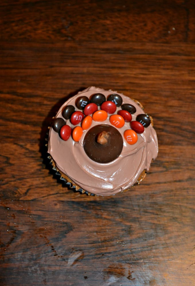 Even the kids can help make these fun Turkey Cupcakes!
