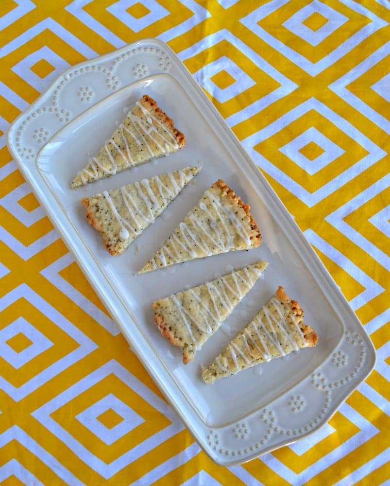 These delicious Lemon Poppyseed Shortbread Cookies are the perfect tea time dessert!