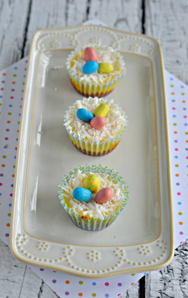 Love these tasty Mini Easter Cheesecake Bites topped with mini chocolate eggs!