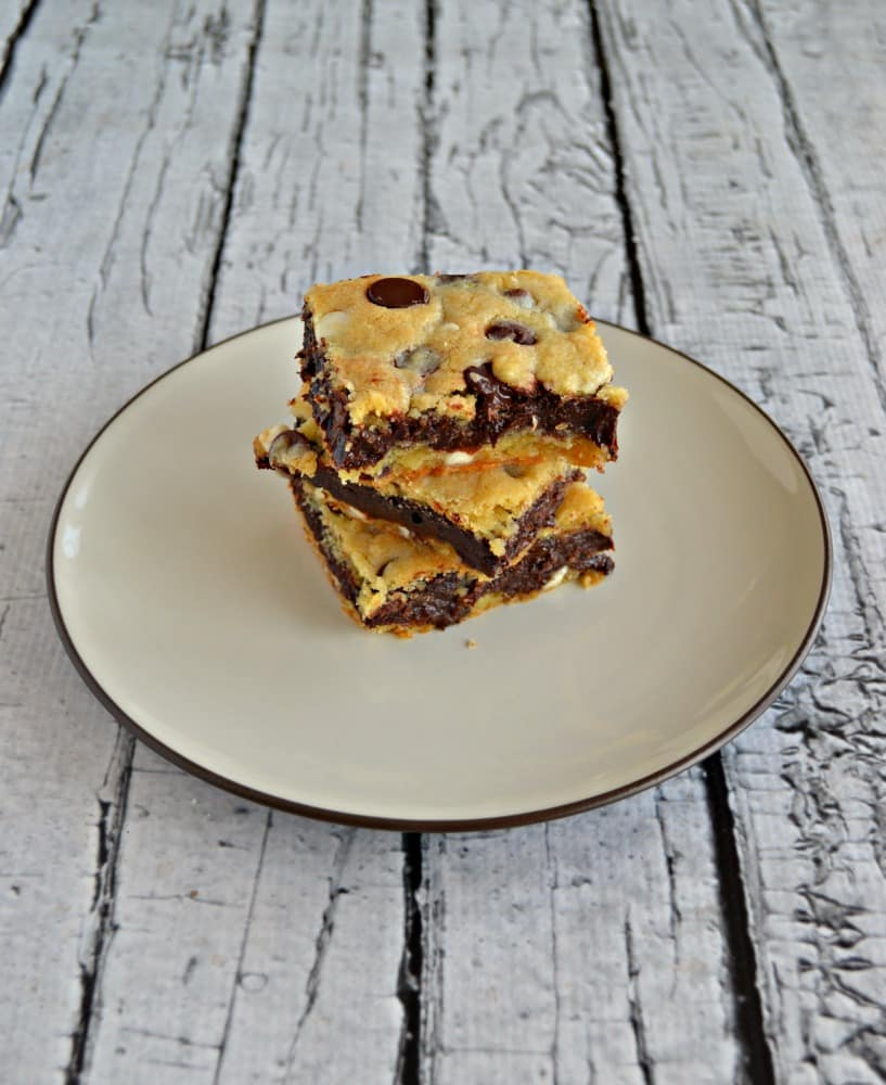 Who can resist these delicious Fudge Filled Chocolate Chip Cookie Bars?!