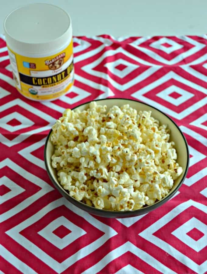 Grab a handful of this delicious Pizza Flavored Popcorn!