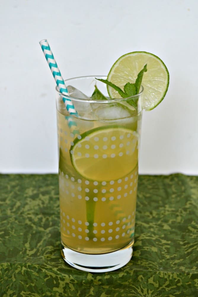 This Mojito Iced Tea is a refreshing and flavorful beverage perfect for summer!