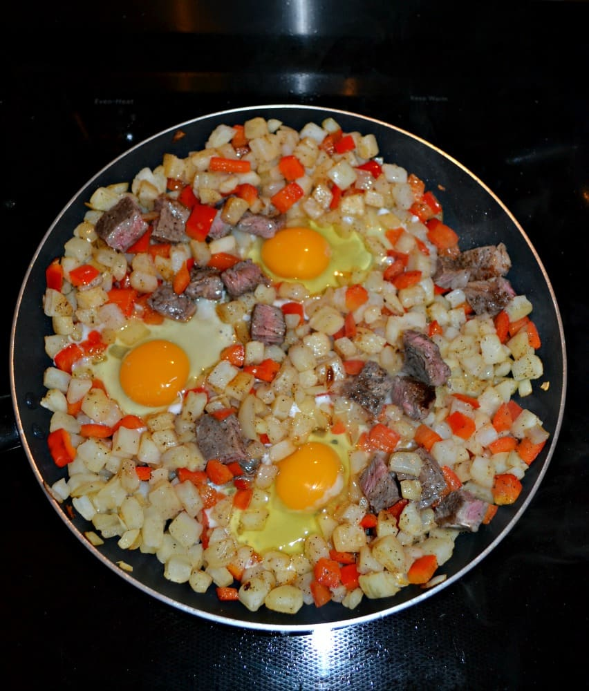Steak and Eggs Breakfast Hash is a delicious and hearty breakfast recipe!