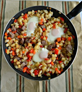 Steak and Eggs Breakfast Hash #SundaySupper