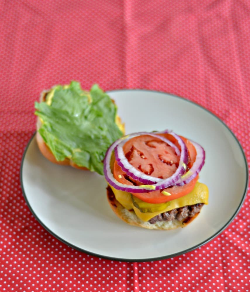 We love this awesome Copycat Smashburger!