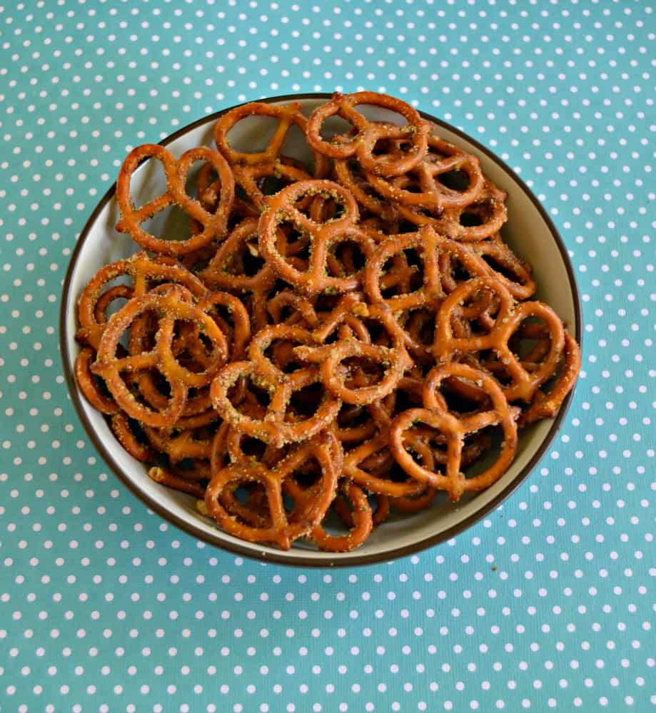 Need a snack perfect for back to school? Check out my recipe for Spicy Ranch Pretzels!