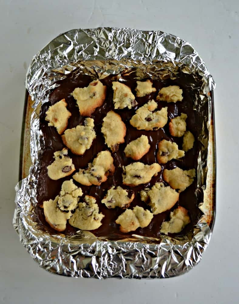 Looking for a delicious sweet? Try this Chocolate Chip Cookie Dough Stuff Candy Bar!