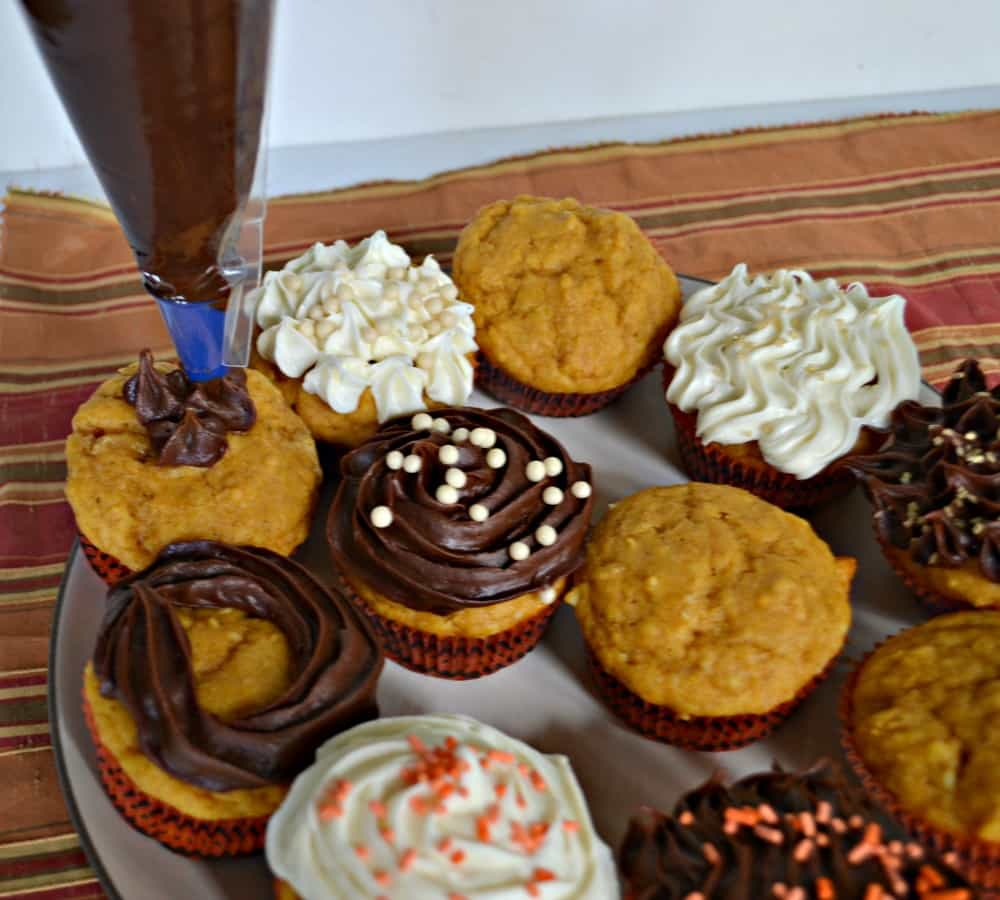Looking to decorate delicious Pumpkin Spice Cupcakes? Try NEW Pillsbury Filled Pastry Bags!