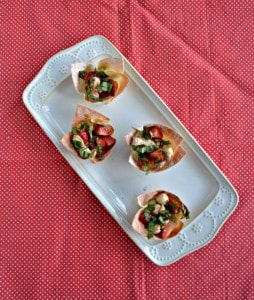 Chicken and Strawberry Caprese Wonton Cups #SundaySupper