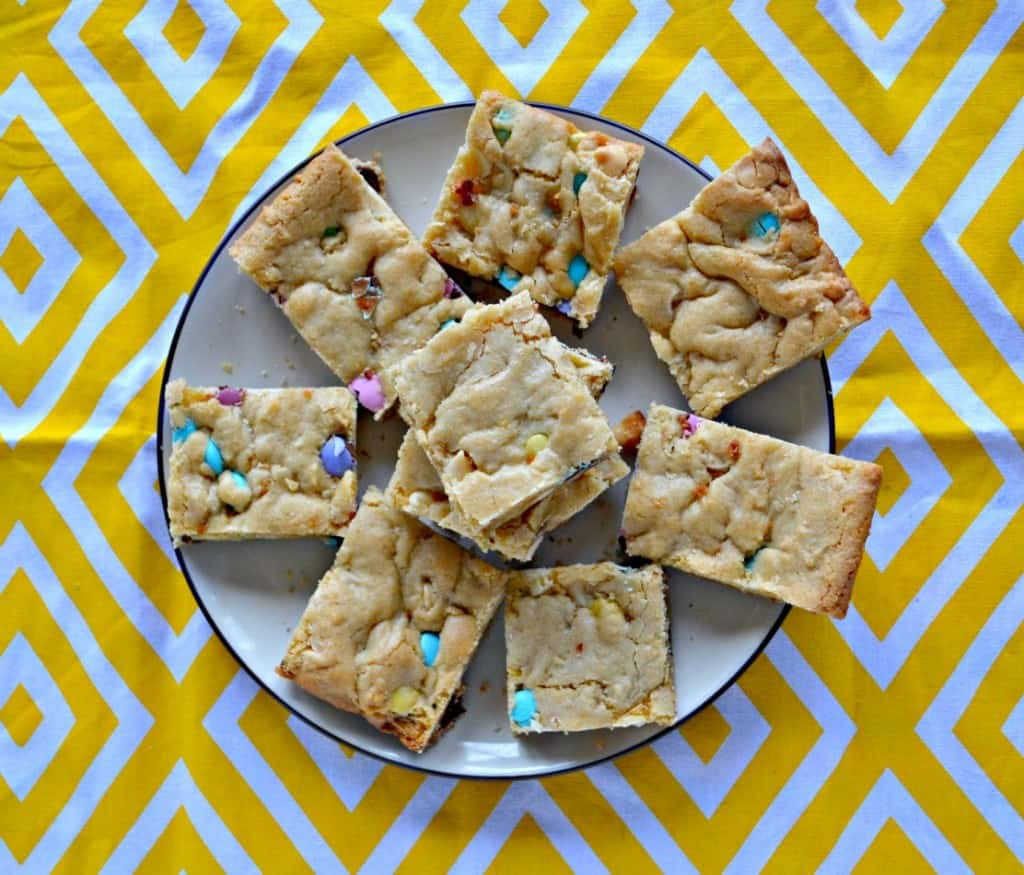 Looking for an easy and delicious Easter dessert? Try these tasty Easter M&M Blondies!