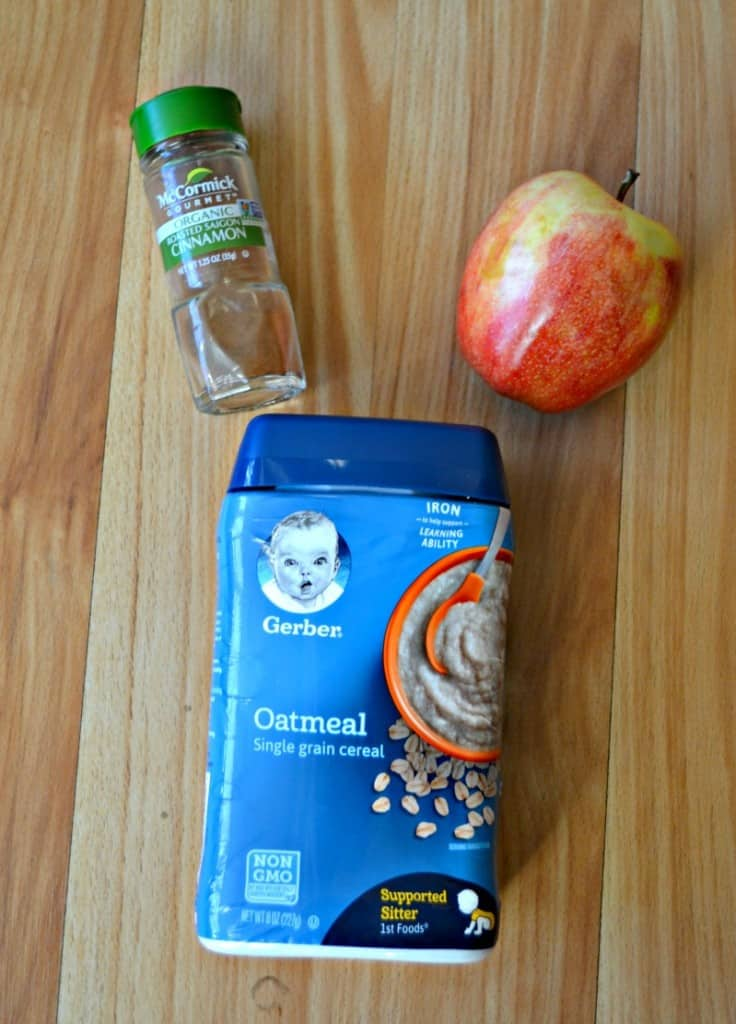 Baby Food Fridays: Everything you need to make Apple Cinnamon Oatmeal!