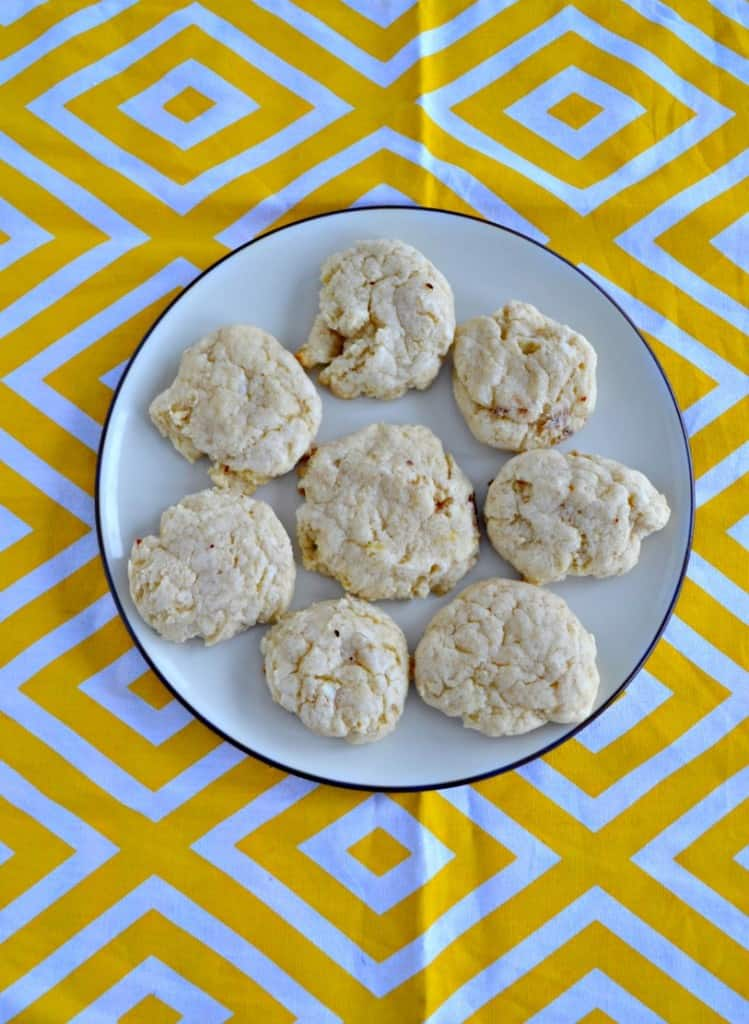 We love these soft and spice Cinnamon Cream Cheese Cookies!
