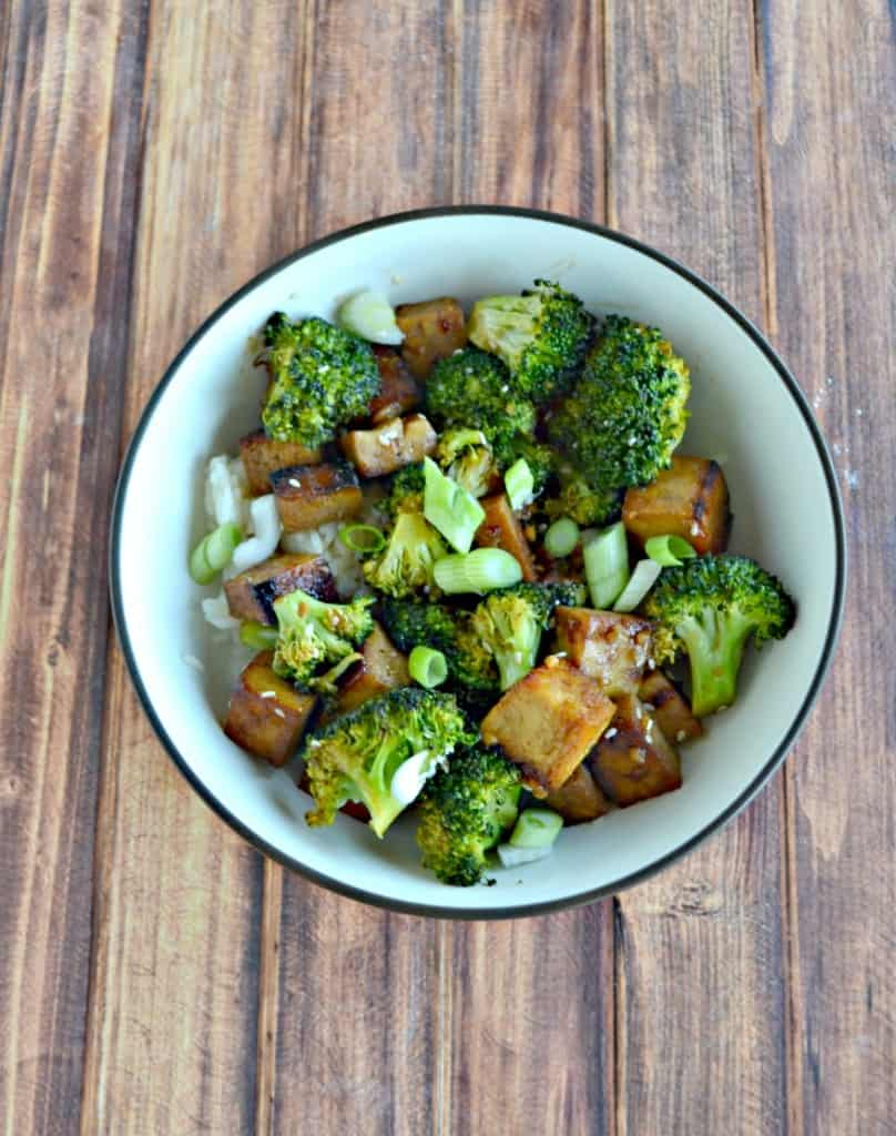 Looking for a delicious Meatless Monday meal? Try my Honey Sesame Tofu Bowls!