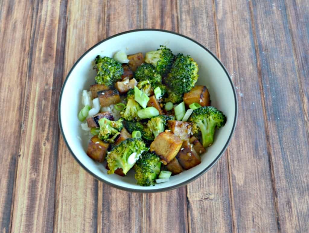 We love the flavors in this Honey Sesame Tofu Bowl!