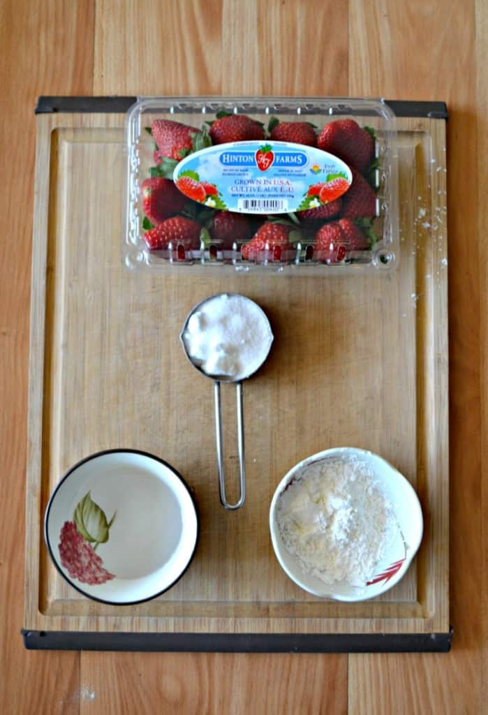 It's easy to make a quick strawberry freezer sauce.