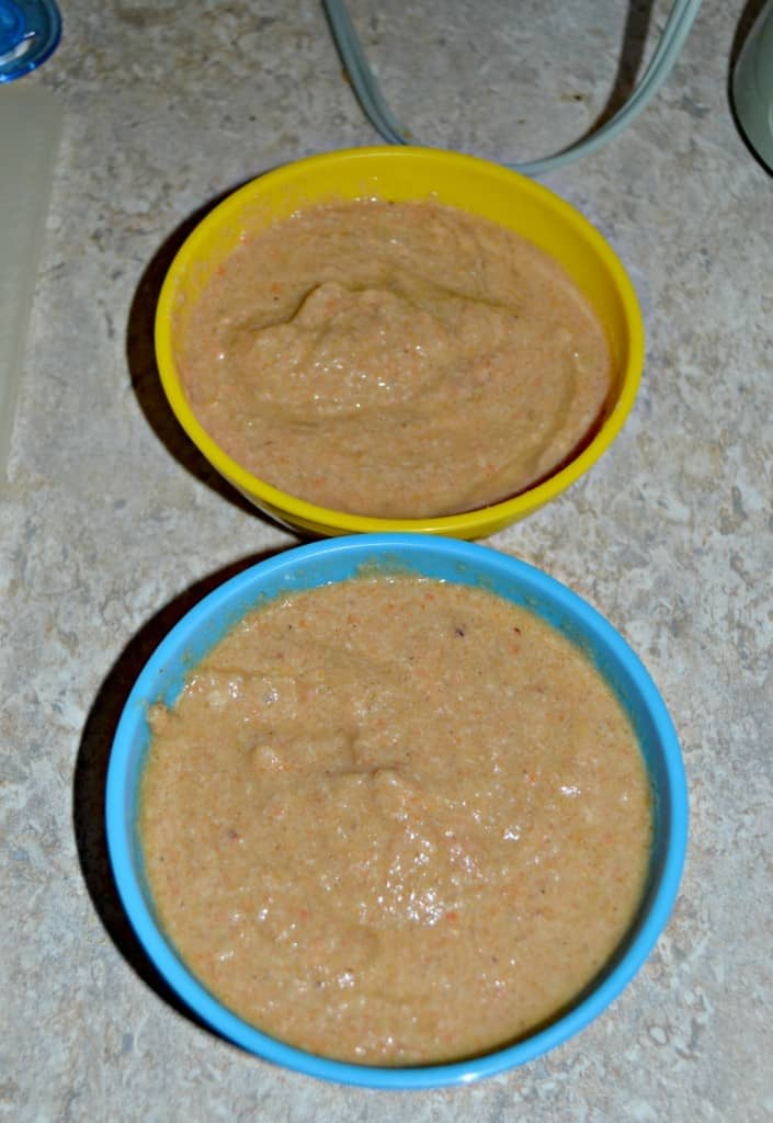 It's Baby Food Friday and this week I have a complete meal! Make your own Chicken, rice, and carrot puree for baby!