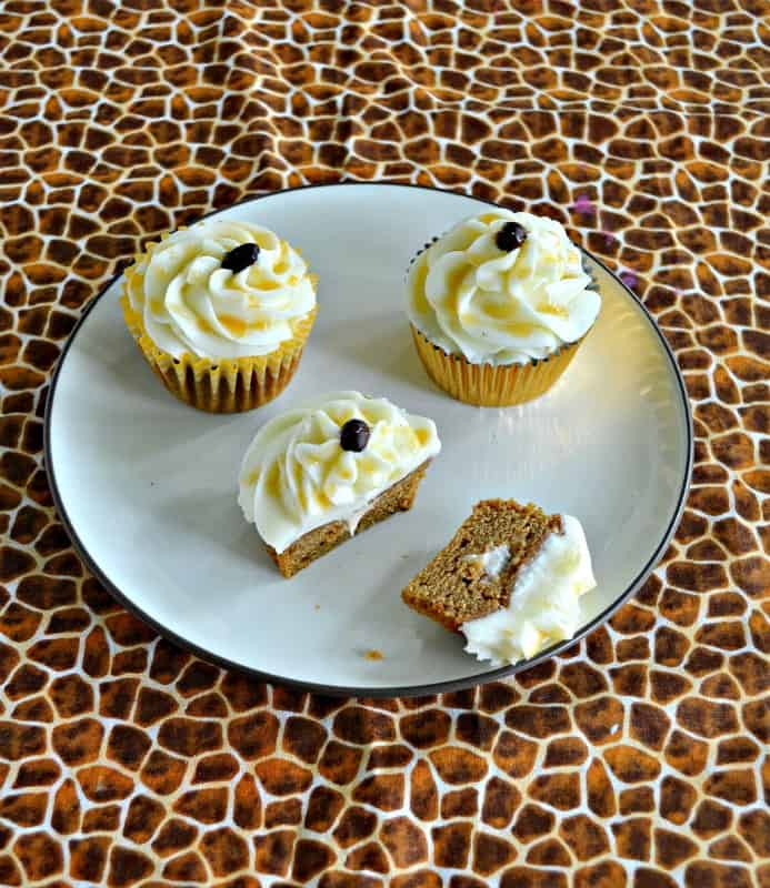 Like Caramel Macchiatos? Then you'll love these awesome Caramel Macchiato Cupcakes!
