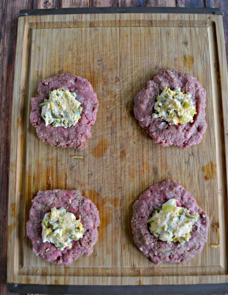 It's easy to make Jalapeno Cheddar Stuffed Burgers