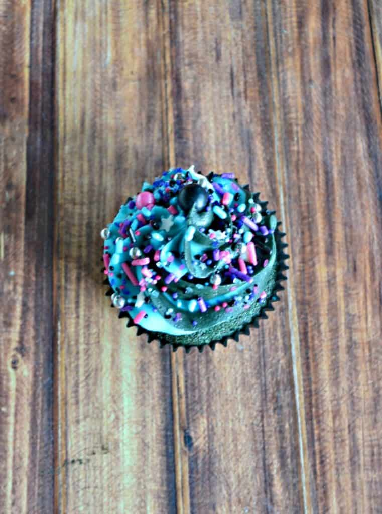 I can't get enough of these Blue Velvet Galaxy Cupcakes with Milky Way sprinkle mix!