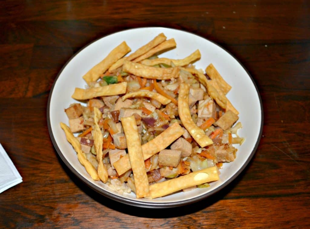 This Egg Roll in a Bowl with Tofu is topped with crunchy noodles.