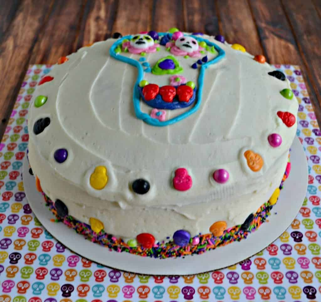 Celebrate the Day of the Dead with this awesome cake!