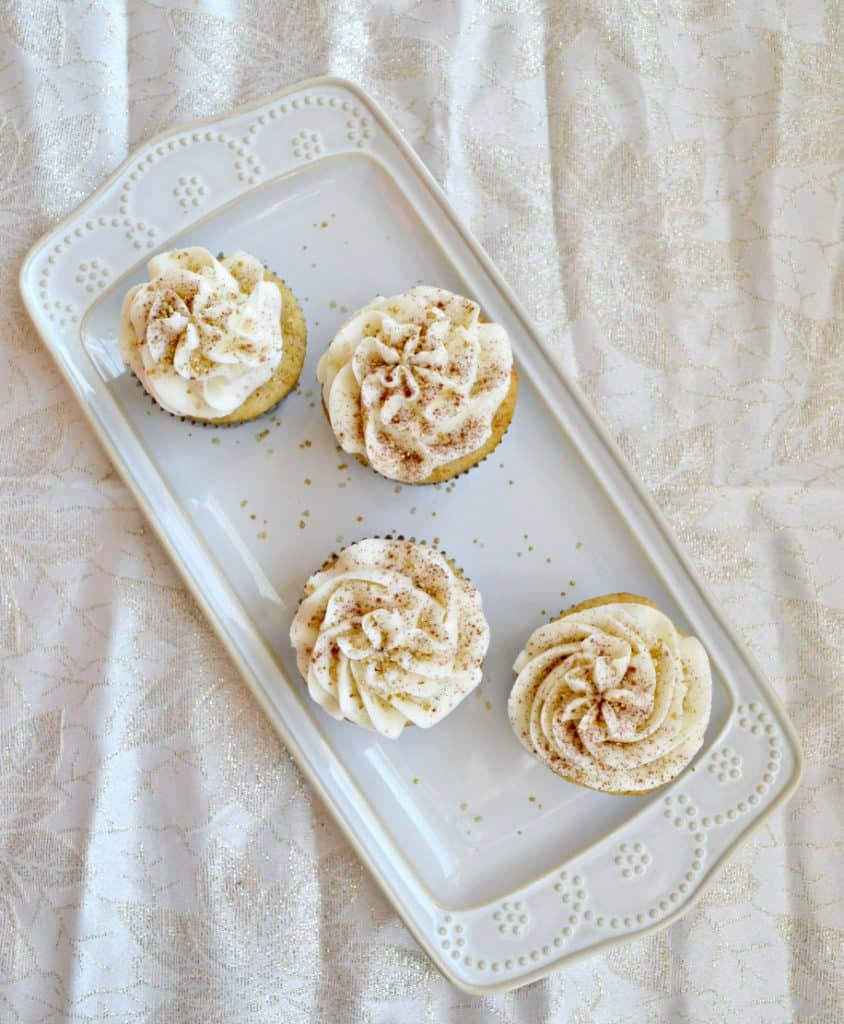 The holidays are here and you need to make these tasty Eggnog Cupcakes!