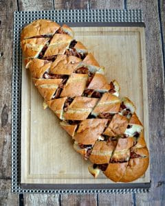 Baked Brie, Bacon, and Cranberry Pull Apart Bread