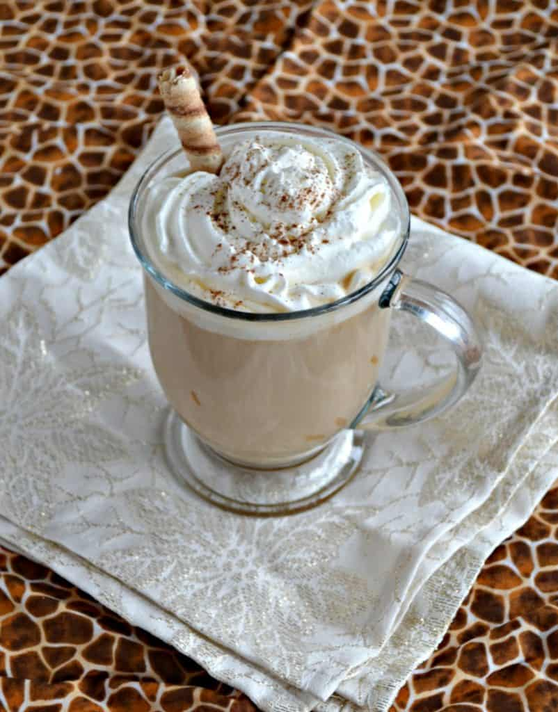 Looking for a new latte? Try this amazing Cinnamon Cookie Butter Latte!