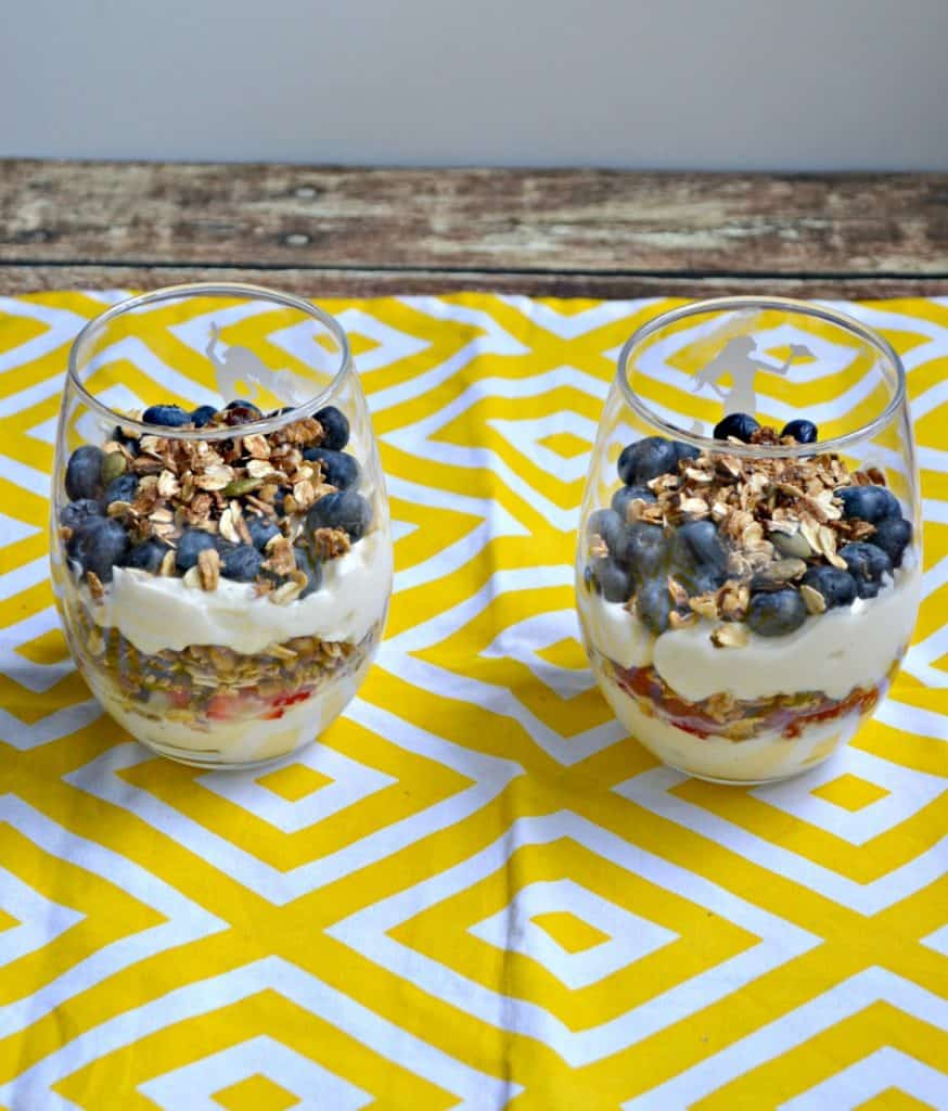 Looking for an easy breakfast that looks and tastes great?  These Honey Vanilla Yogurt Parfaits will be your new favorite!
