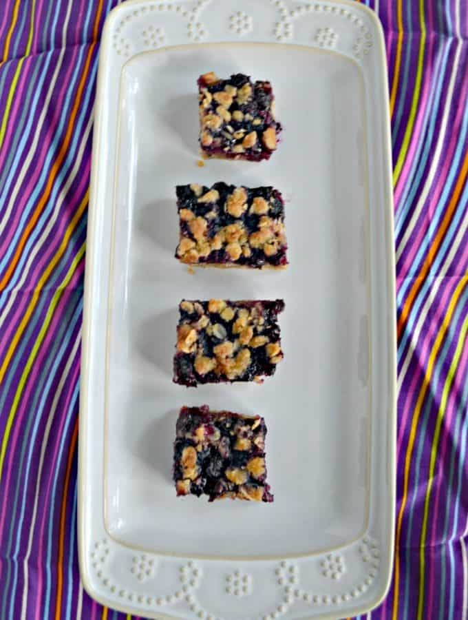 Blueberry Oatmeal Bars are the perfect combination of blueberries and crunchy sweet topping
