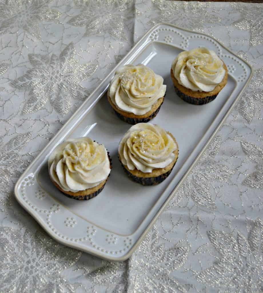 If you like sugar and spice you'll love these Brown Sugar Cinnamon Cupcakes