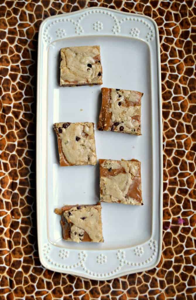 Grab one of these mouth watering Salted Caramel Brown Butter Chocolate Chip Bars