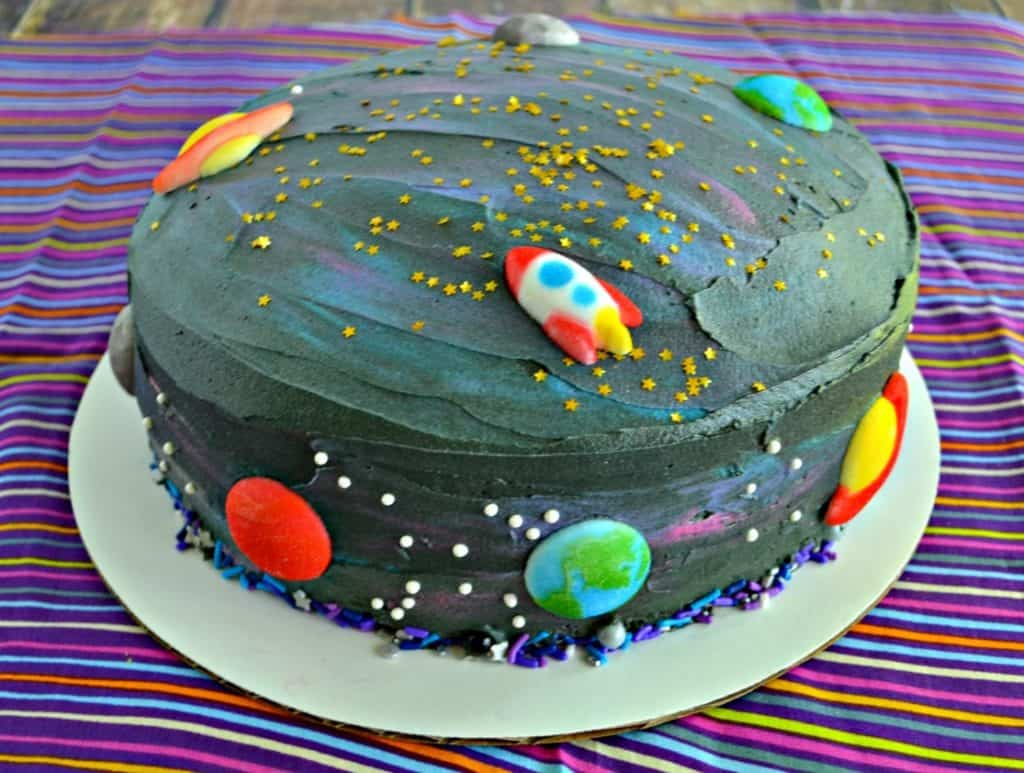 A few colors of frosting make the most awesome galaxy Space Cake!